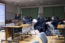 2013.10.31に並木中等教育学校、2013.11.20に千葉県立東葛飾高校にて大城先生が出前講義を行ないました。
